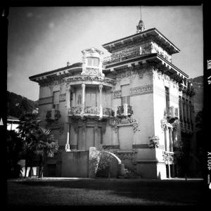 Al ritiro pacco gara - Italian Horror Story?
